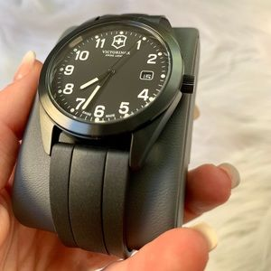 NEW Rare Victorinox Watch